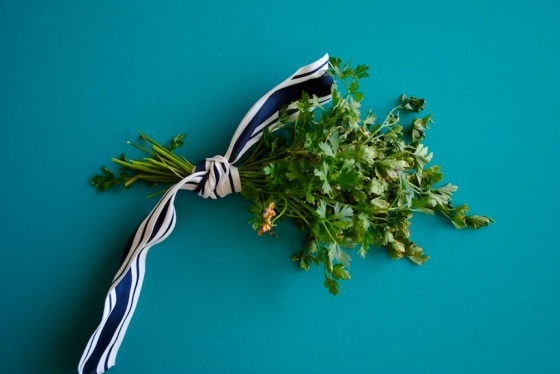 garden-parsley-dried